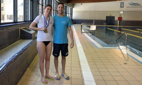 Olga Jedrysiak, con su entrenador Sergio Martín. /CNS