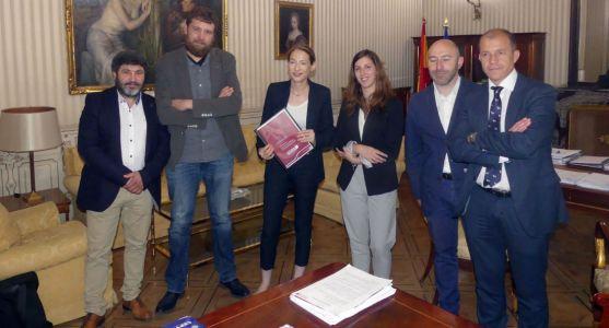 Una imagen del encuentro este viernes en Madrid.