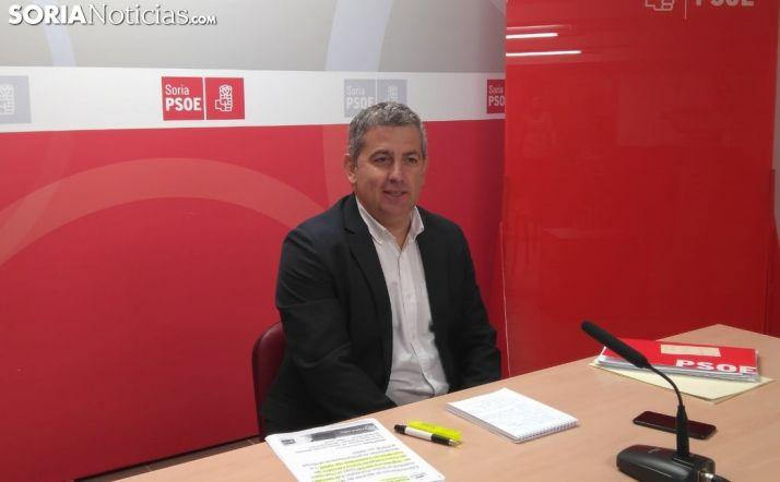 Javier Antón durante la rueda de prensa de esta mañana.