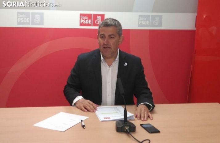 Javier Antón durante la rueda de prensa.