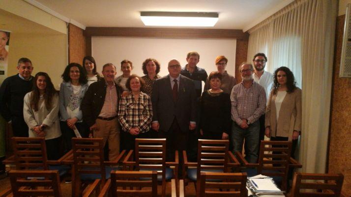 Curso de formación odontológica con el doctor y profesor Guillermo Machuca.