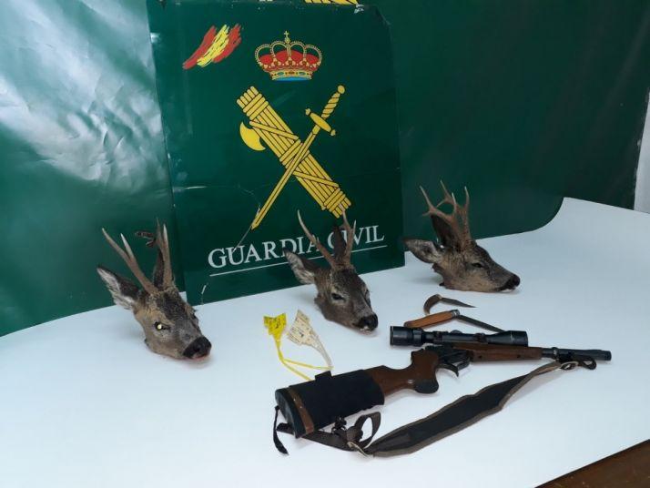 Imagen de las pruebas que descubrió la Guardia Civil.