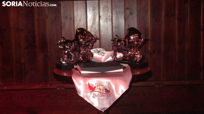 Toro de plata y exposición de la Peña El Cuadro