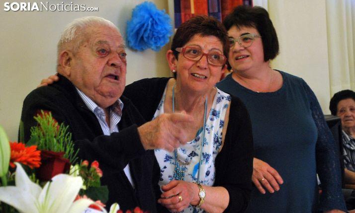 El centenario, durante el homenaje. /SN