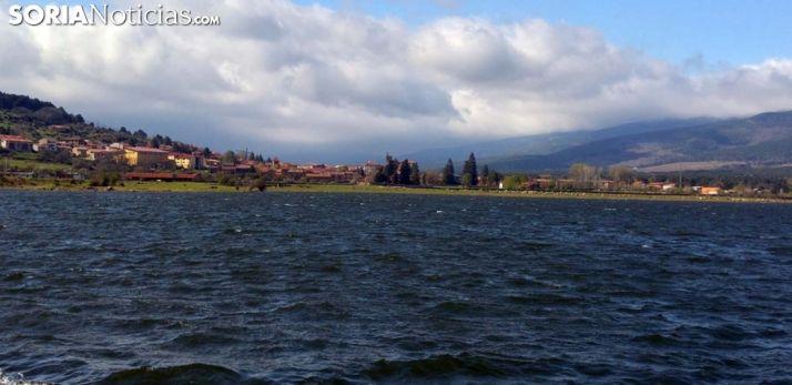 Una imagen reciente del pantano a la altura de Vinuesa. /SN