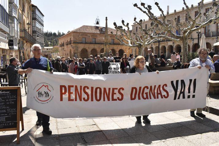 Foto 2 - Los pensionistas no se rinden pese al anuncio del Gobierno