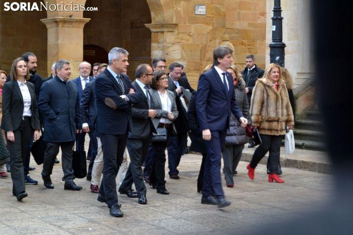 Mínguez junto al resto de representantes políticos durante el Think Europe.