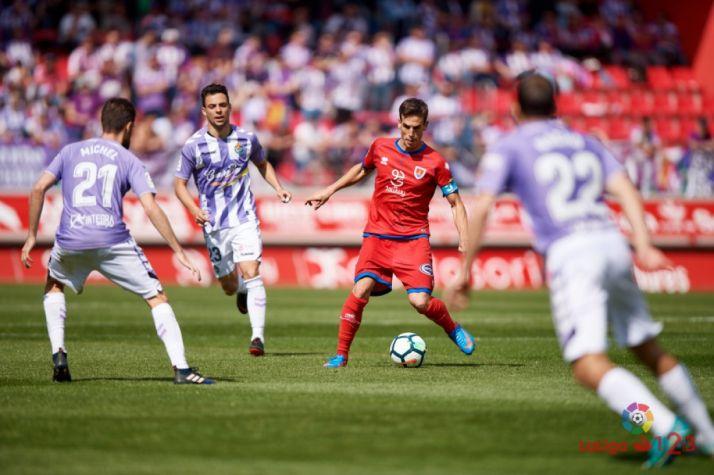 Íñigo Pérez, capitán del Numancia ante el Real Valladolid. LaLiga