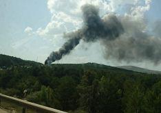 Foto 4 - La N-122, cortada por el incendio de un camión