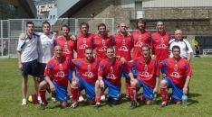 Los veteranos, en unas instalaciones deportivas del Principado. /CDN