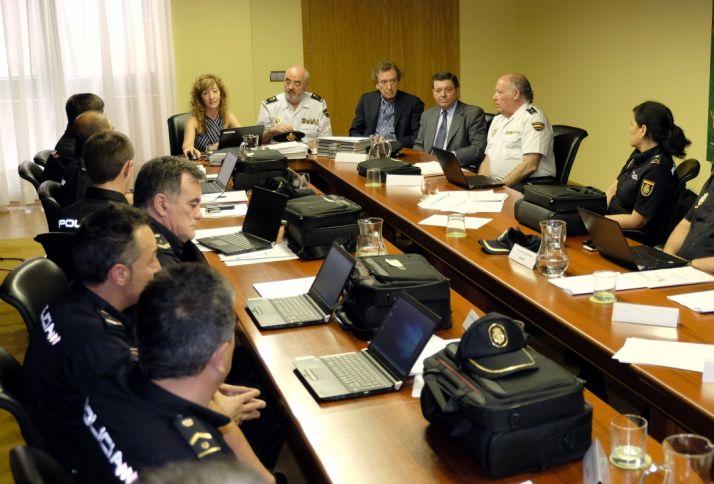 El vicepresidente entrega nuevos equipos informáticos. Junta de Castilla y León.
