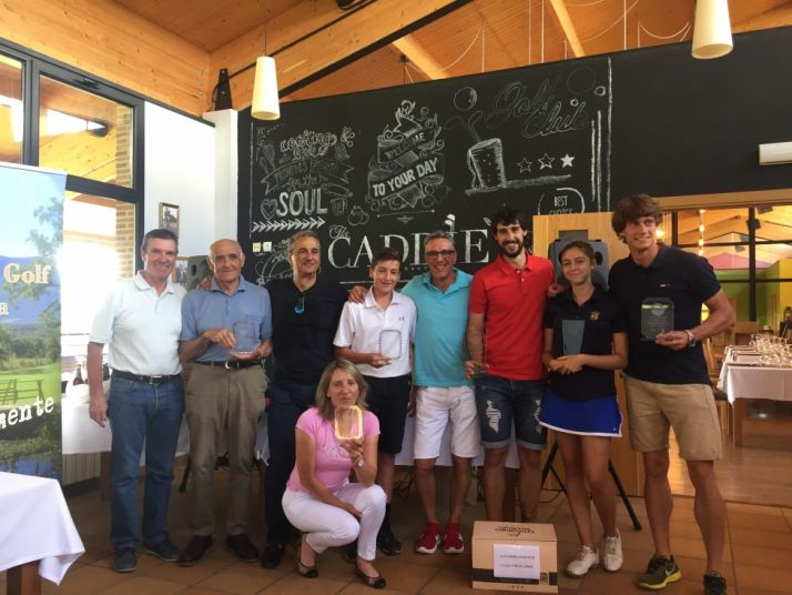 Foto 1 - Antonio de Pablo y Julia Palacios,  ganadores del Torneo Amstel del Club de Golf de Soria