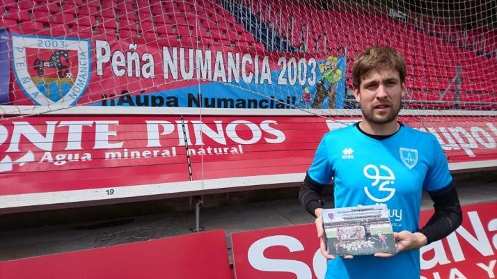 La Peña Numancia 2003 otorga el premio de 'Mejor Jugador' a Aitor Fernández