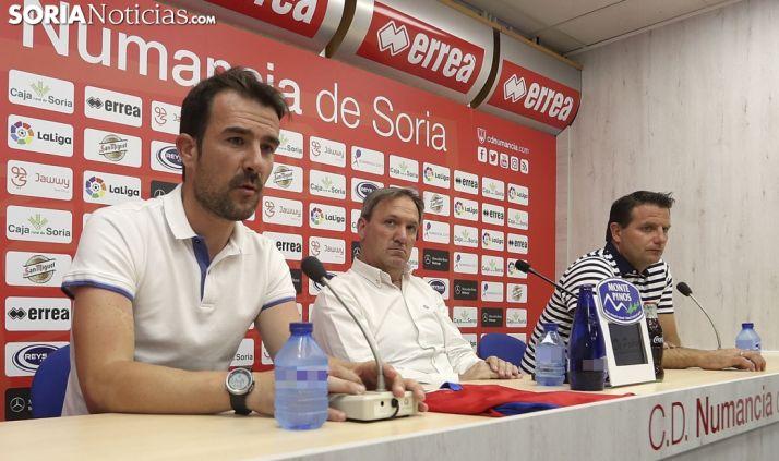 López Garay, en primer término, este lunes en Los Pajaritos. /SN