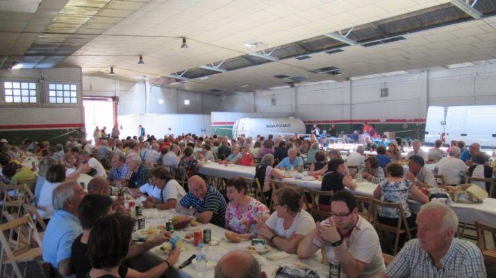 Paella popular para los vecinos de Santa Bárbara