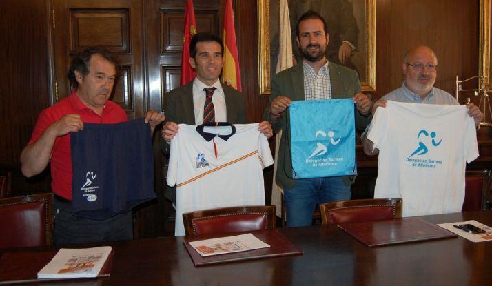 Irigoyen, (izda.), Lahuerta, Hernández y Martínez este lunes en la presentación del campeonato. /Ayto.