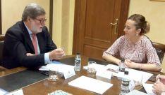 Santiago Aparicio y Virginia Barcones en la reunión de este martes. /FOES