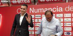 Julio Álvarez durante su despedida del Club Deportivo Numancia