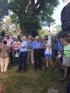 Foto 3 - Cientos de personas en la romería de la Virgen del Castillo
