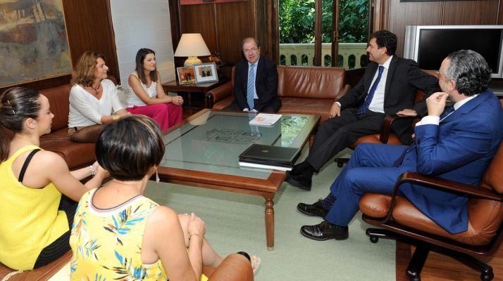 Imagen de la reunión este martes de la Mesa del Autónomo. /Jta.