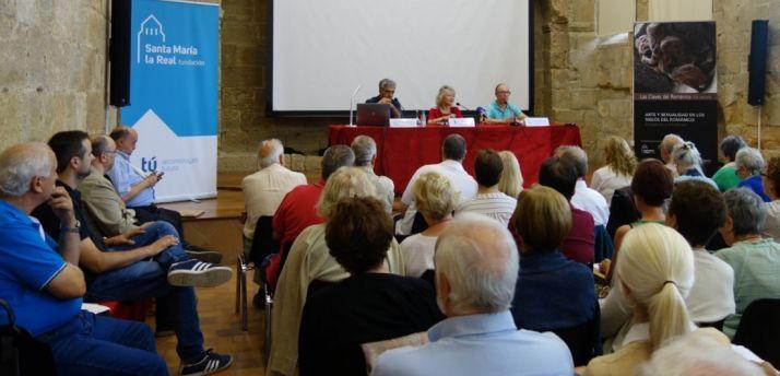 Foto 1 - Más de un centenar de alumnos en el curso de Las Claves del Románico de la Fundación Santa María la Real