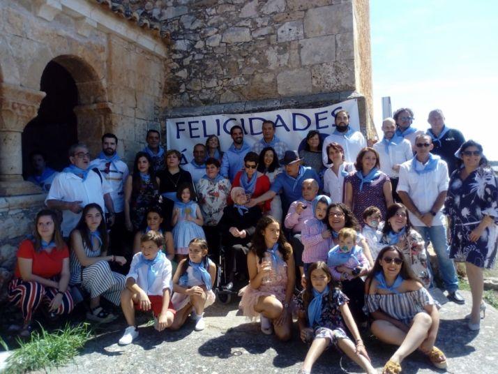 Foto 1 - Áurea Isla Álvarez recibe un homenaje en Andaluz por su centenario