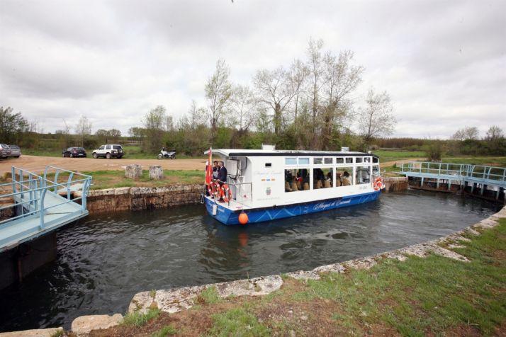 Foto 1 - Seis  recorridos fluviales de CyL recibieron a cerca de 132.450 turistas en 2017