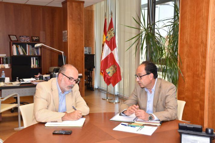 Foto 1 - Miguel Latorre se reúne con Manuel López