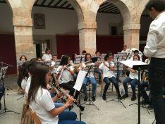 Imposición de pañuelos a los niños nacidos en 2017 y concierto burgense de la Banda Joven. Ayuntamiento de El Burgo de Osma.