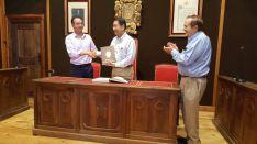El embajador de China visita El Burgo de Osma. Ayuntamiento El Burgo de Osma.