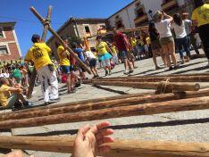 Imágenes de las pingada de los mayos en Vinuesa.