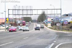 Un tramo de carretera. Imagen de archivo