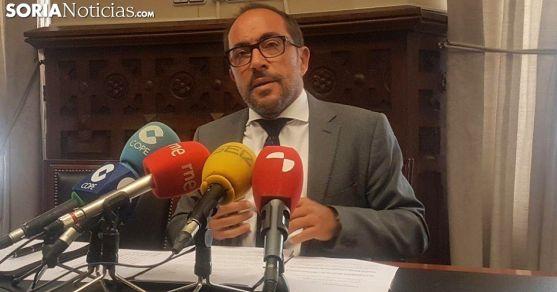 Luis Rey, presidente de la Diputación en rueda de prensa este miércoles. /SN