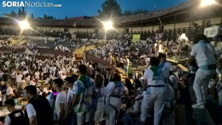 Galería: Espectacular tarde de caldereta en El Burgo