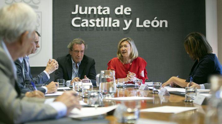Del Olmo con De Santiago este lunes. /Jta.