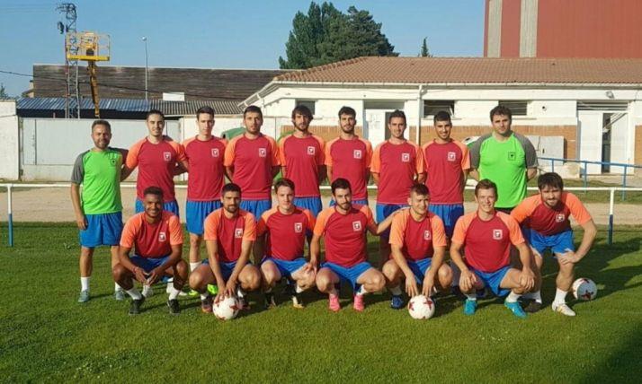 La nueva SD Almazán posa en una sesión de entrenamiento de este verano. SD Almazán