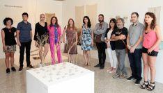 Gloria Rubio (5ª izda.) junto a la presidenta de las Cortes Silvia Clemente. /CCyL