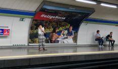 Uno de los anuncios instalados en el suburbano madrileño. /Ayto.