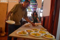 Una imagen de la comida de hermandad del barrio capitalino. /SN