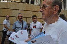 La Plataforma Soria ¡YA!, frente a la Subdelegación del Gobierno.