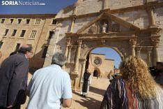 Una imagen de la visita institucional al monasterio este miércoles. /SN