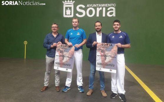 Presentación del III Torneo Ciudad de Soria de pelota mano en el Polideportivo la Juventud.
