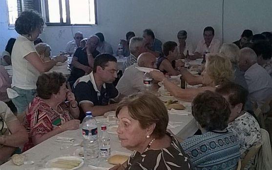 Una imagen de la comida de hermandad. /Dip.