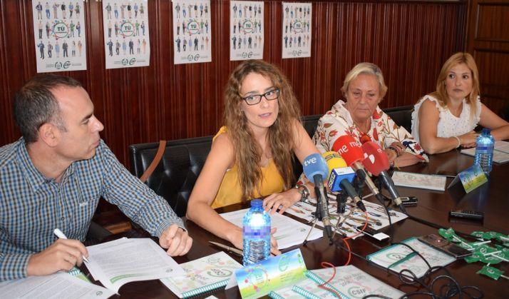 Isabel Madruga (izda.) junto con la presidenta de CSIF en Soria, Reyes Martínez. /CSIF
