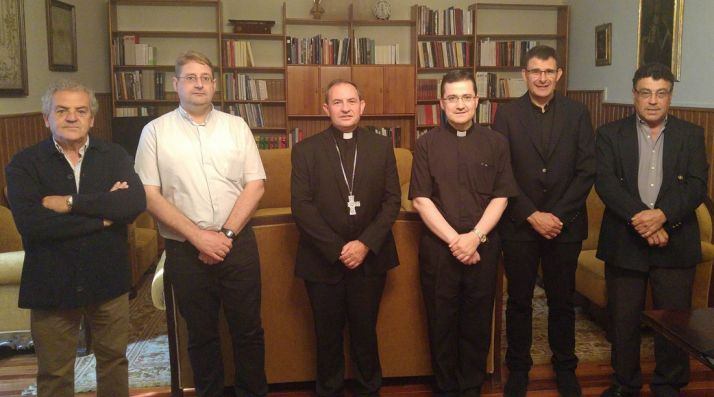 De izquierda a derecha: Antonio Arroyo, Julián Ortega, Abilio Martínez, Gabriel Rodríguez, Ángel Hernández y Alberto Dueña. /DOS