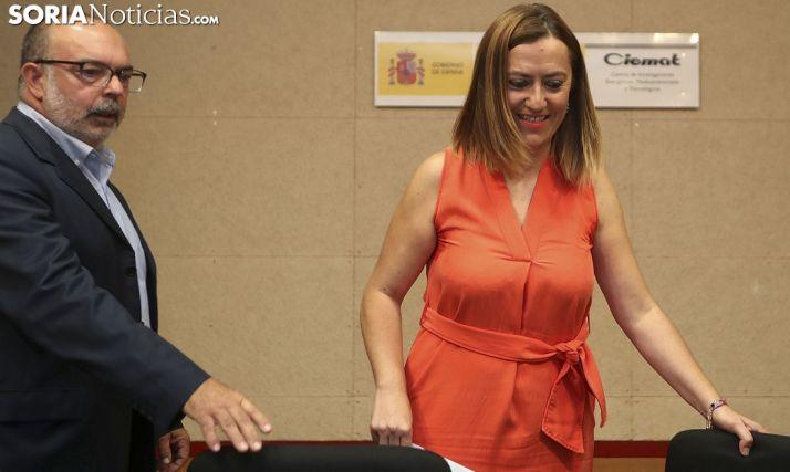 Virginia Barcones, con el subdelegado del Gobierno este jueves en el Céder. /SN