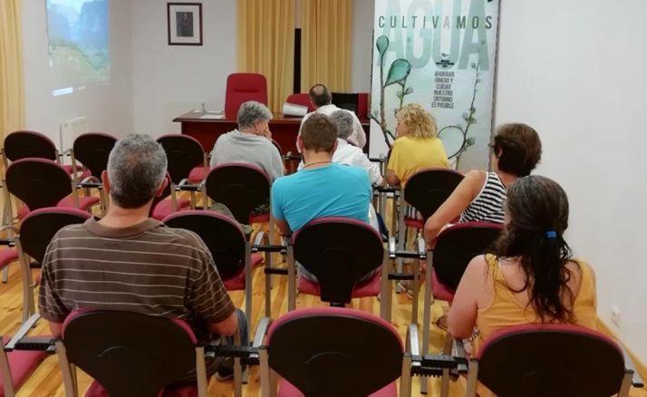La campaña en su visita a Fuentecantos. /Dip