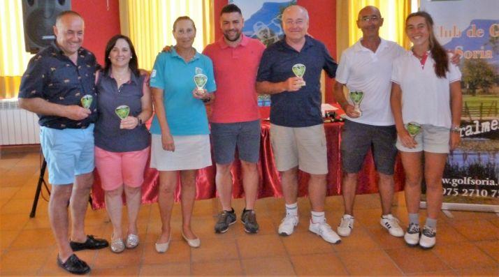 Foto de familia de los ganadores.