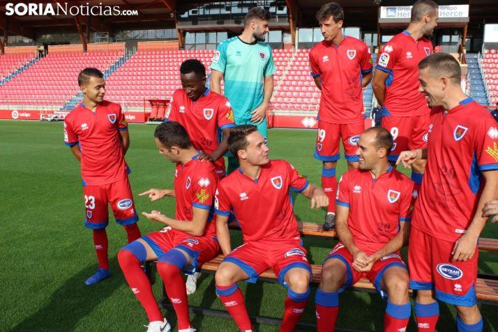 El CD Numancia se realiza la foto oficial de la temporada 2018-19 en Los Pajaritos