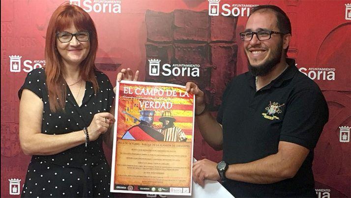 Ana Calvo y Óscar Lafuente en la presentación de la jornada. /Ayto.
